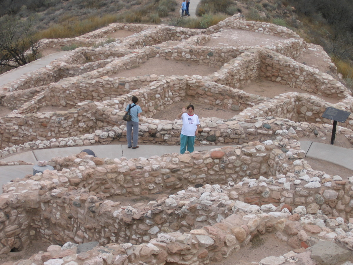 The ruins of Tuzigoot showed tightly packed apartment-style buildings surrounding a well defended tower atop a strongly defensible hilltop.