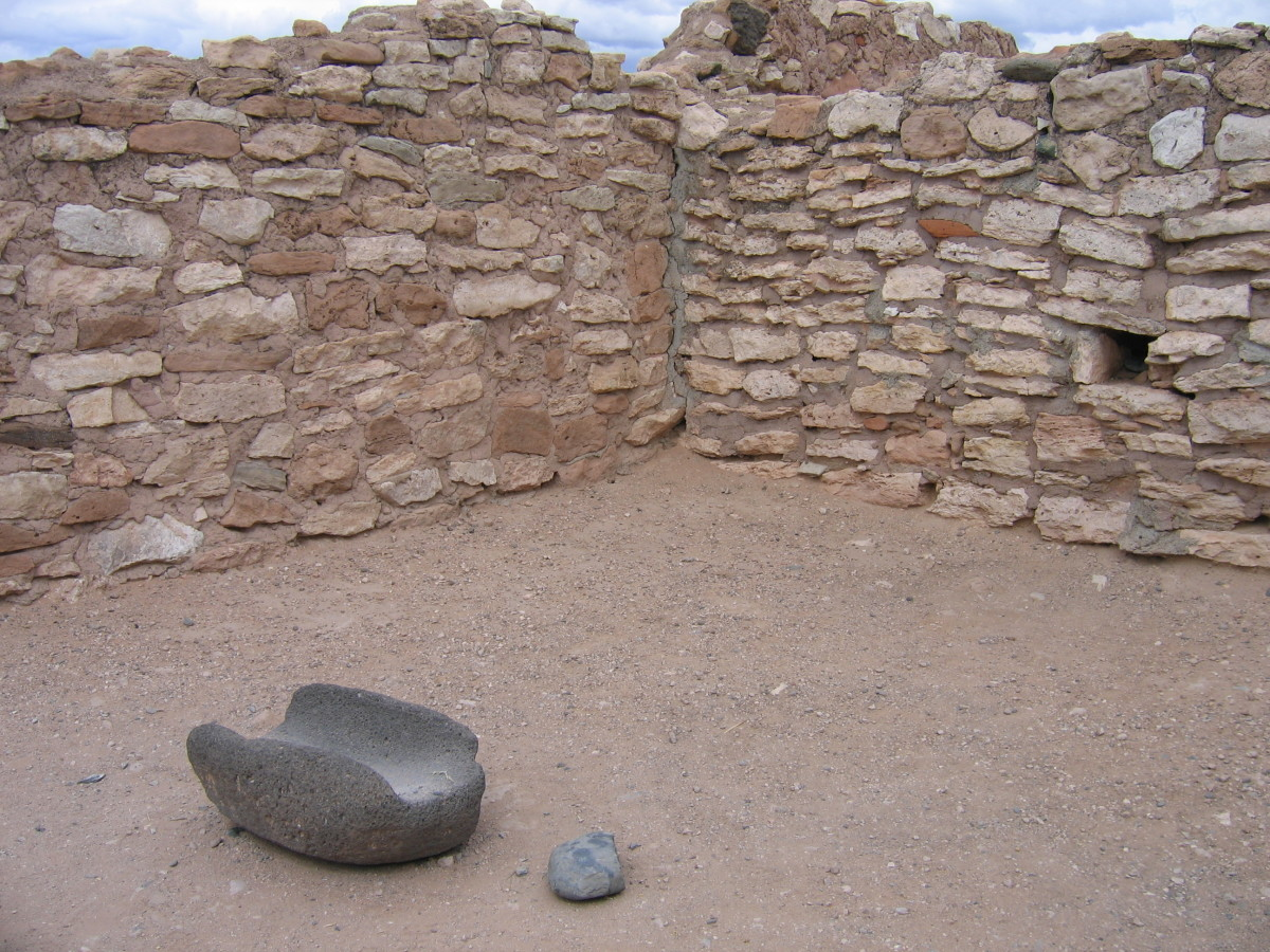 The Sinagua people used matates and manos to grind corn into flour. Archeologists found these at Tuzigoot National Monument.