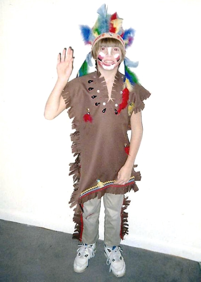 how to make your own homemade native american indian halloween costume for your kids boys or. Black Bedroom Furniture Sets. Home Design Ideas
