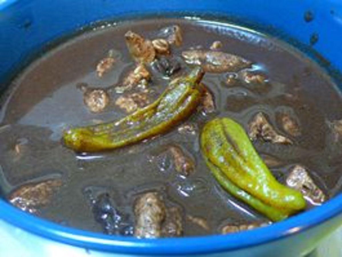 Dinuguan (Courtesy of http://en.wikipedia.org/wiki/Dinuguan)