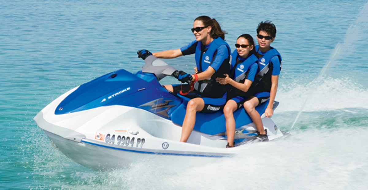 Yamaha Vx Deluxe >> Best Jet Ski on the Market: A Review of Sea-doo and Yamaha ...