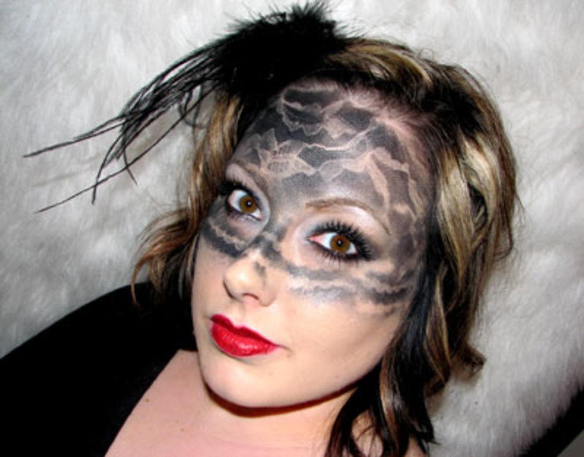 Описание: Ѐуками Кристины Елизаровой на м-класе по гриму на Хэллоуин.
