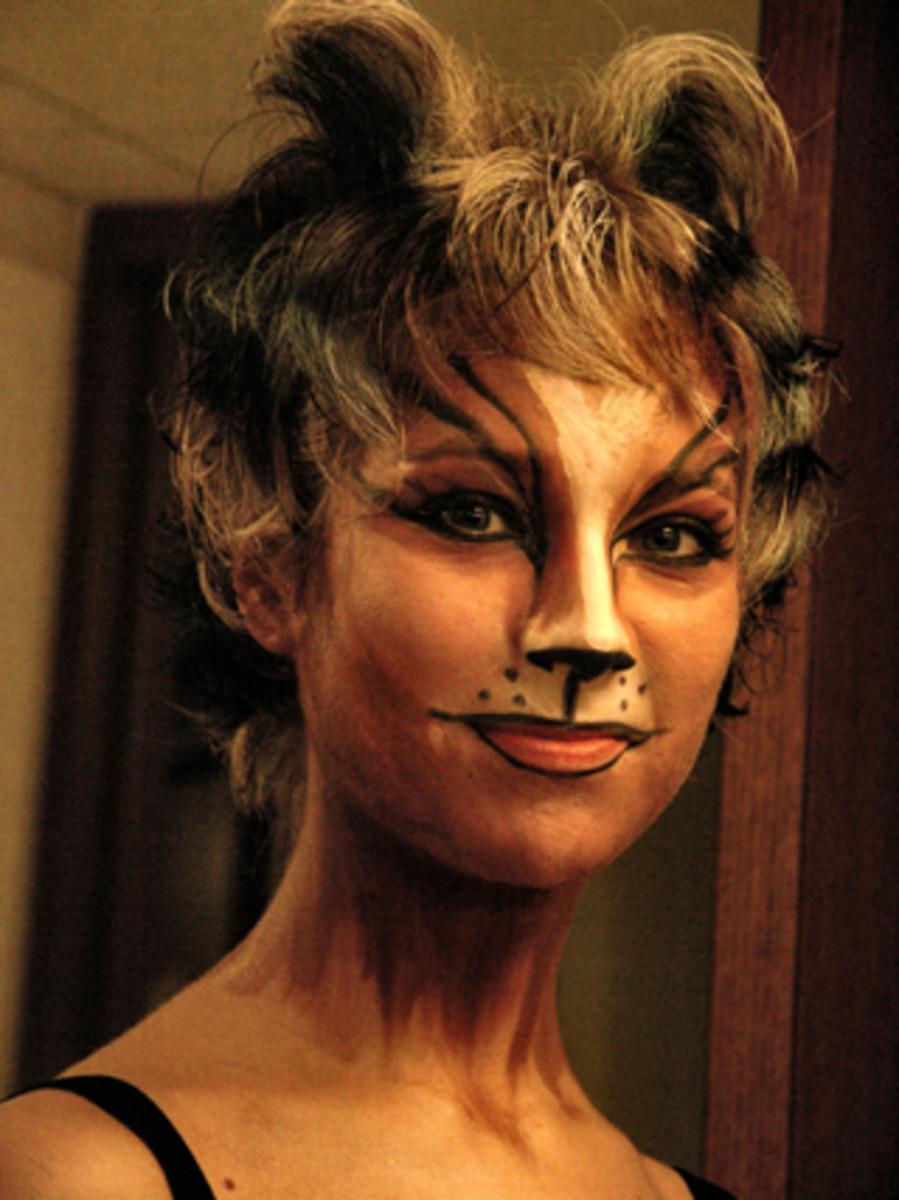 одежда на хэллоуин фото маска грим.