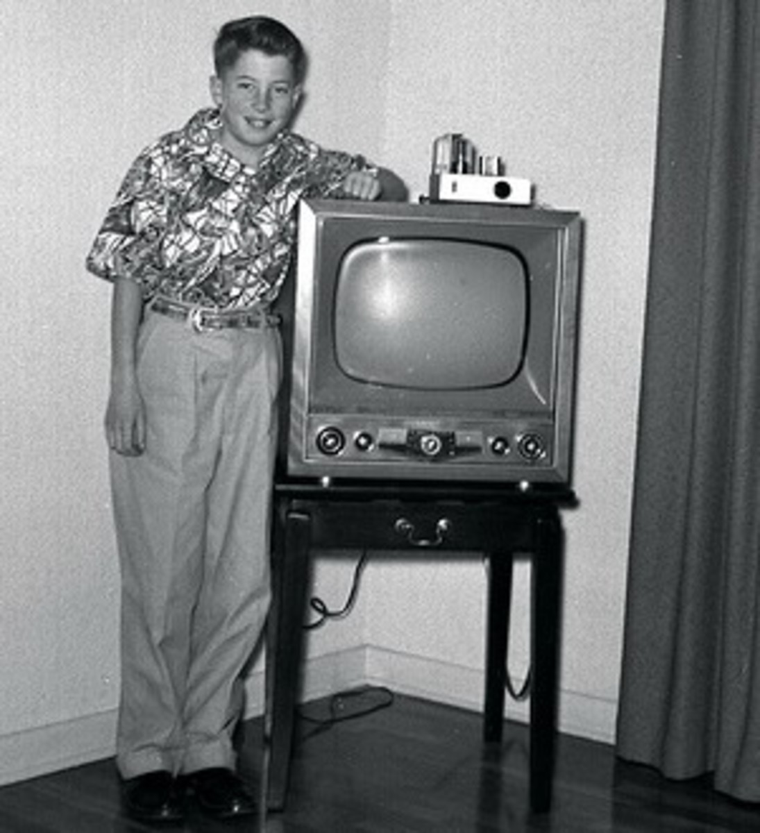 Black and white '50's TV (NOT the shows, just the box!)