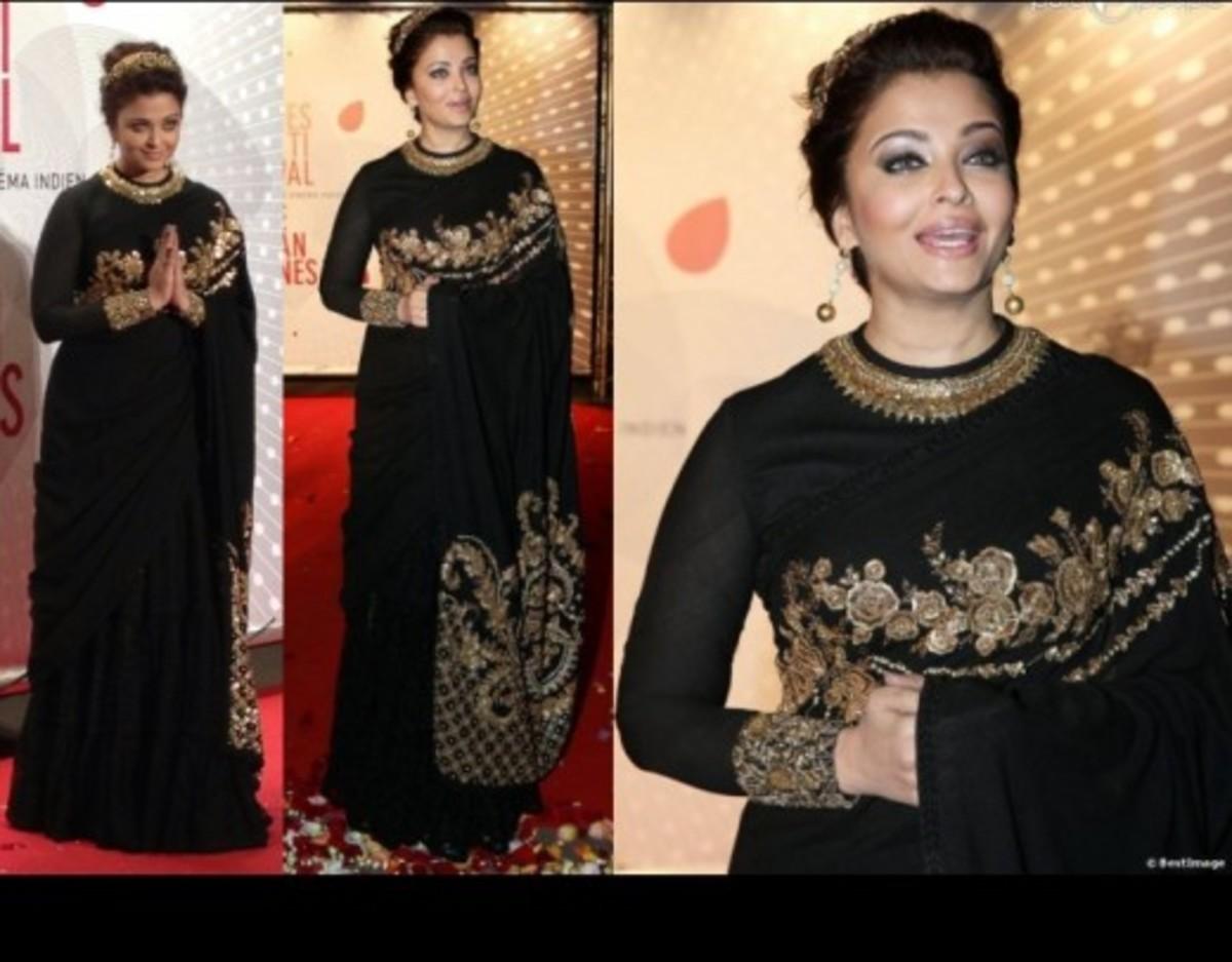 Ashwariya looking stunning in a full-sleeved saree blouse.