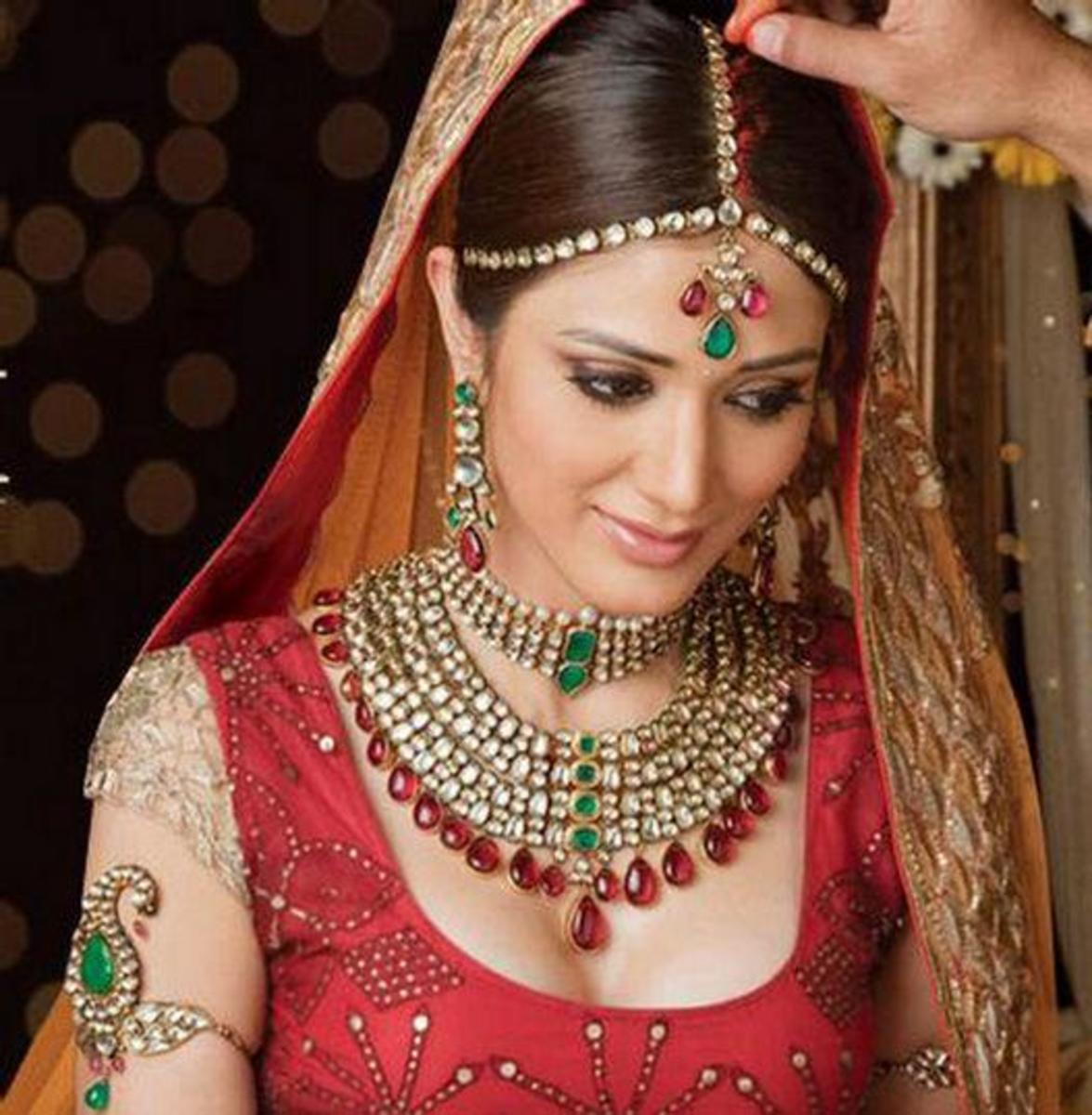 Gorgeous kundan bridal jewellery set