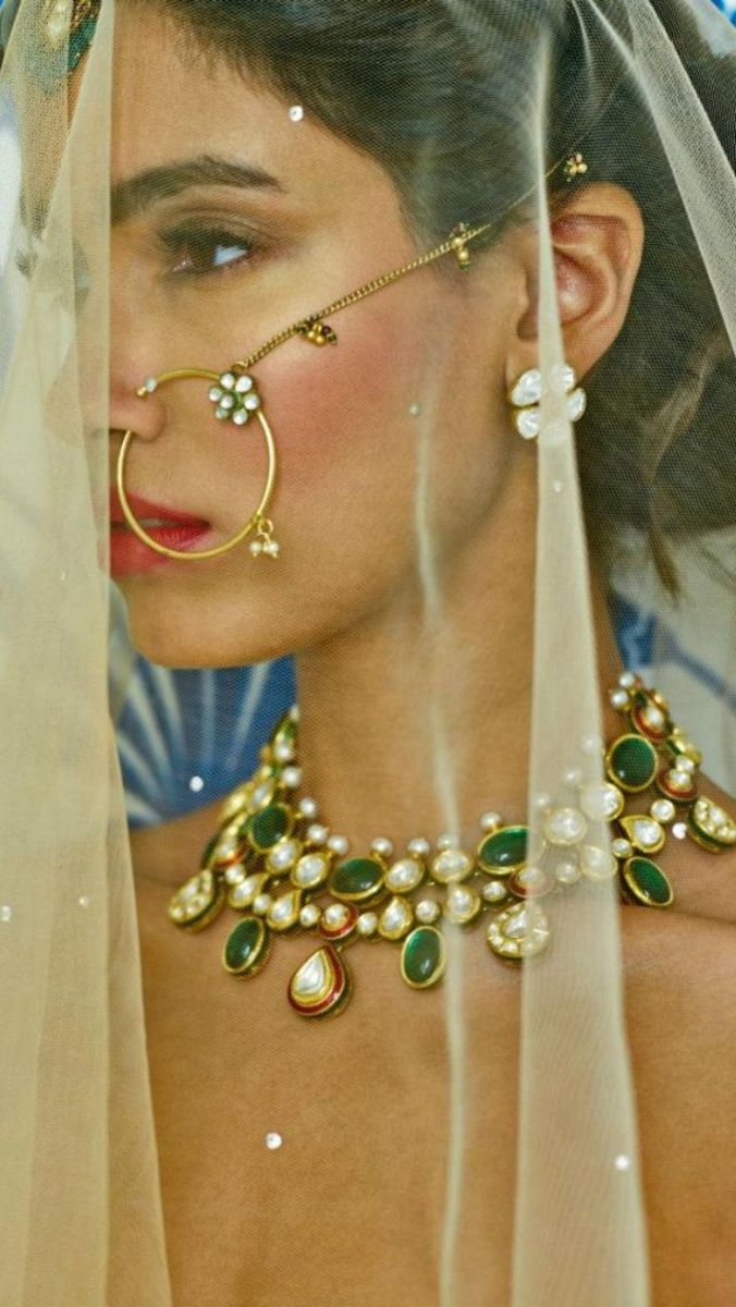 Loop Nose Ring made of gold for wedding wear