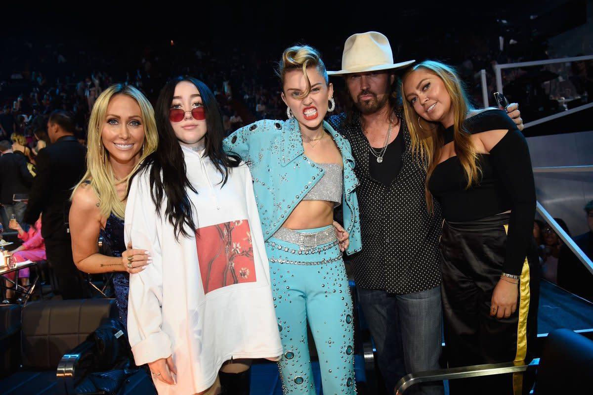 Miley and family at the 2017 VMAs
