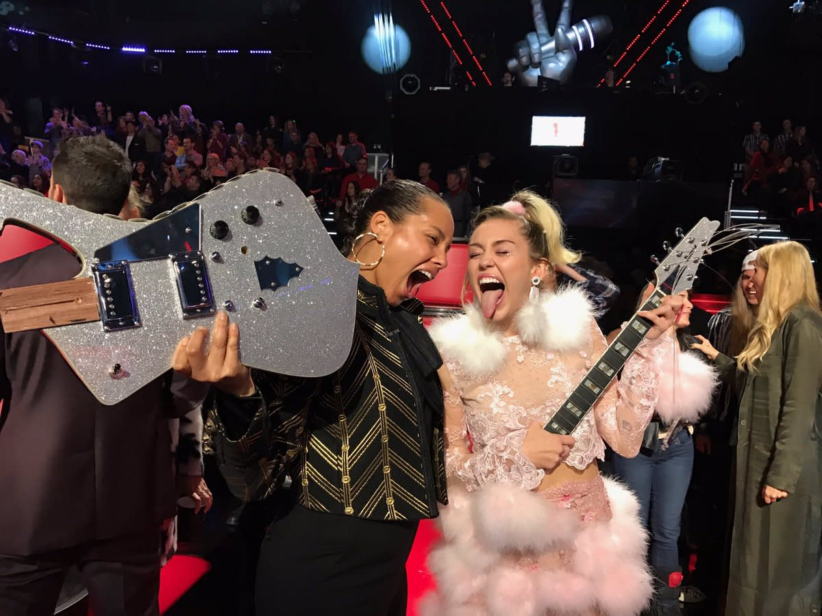 "Finale of the 2016 fall season of ""The Voice"""
