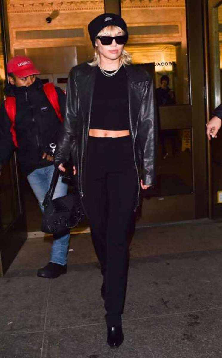 Miley looking very chic
