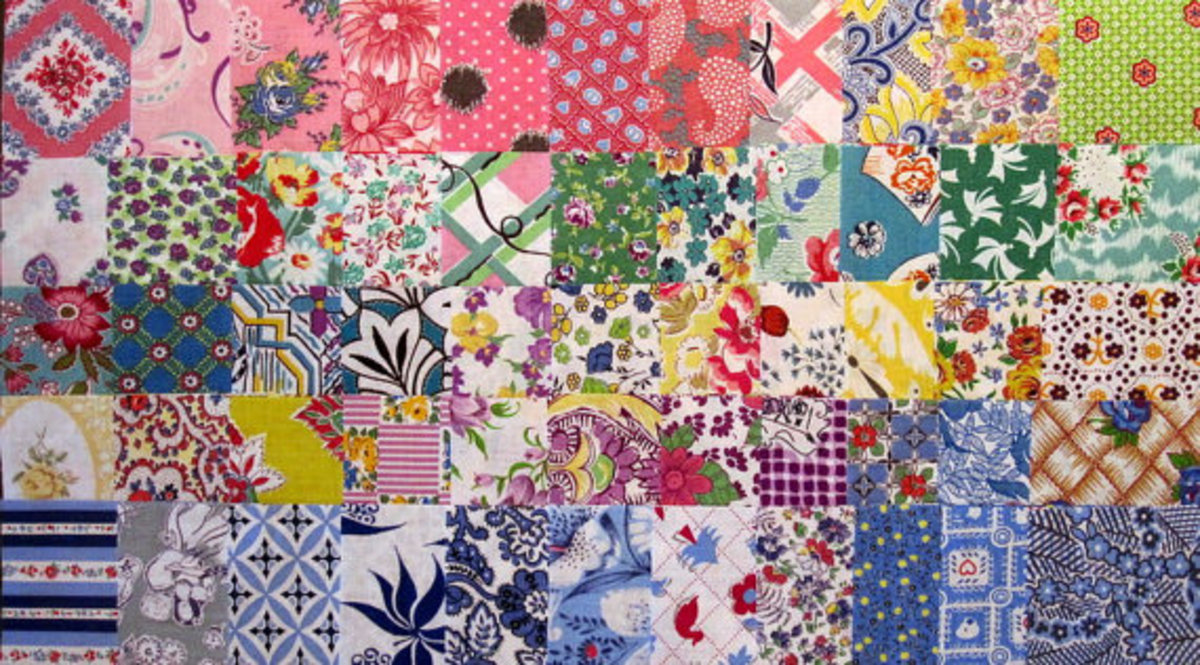 This shows the wide variety of patterns and colors that the feedsacks came in. Woodstone Studio has batches of them already cut into squares to delight quilters.