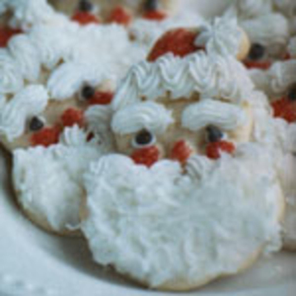 Cute Santa cookies (Photo: GrammasCutters.com)