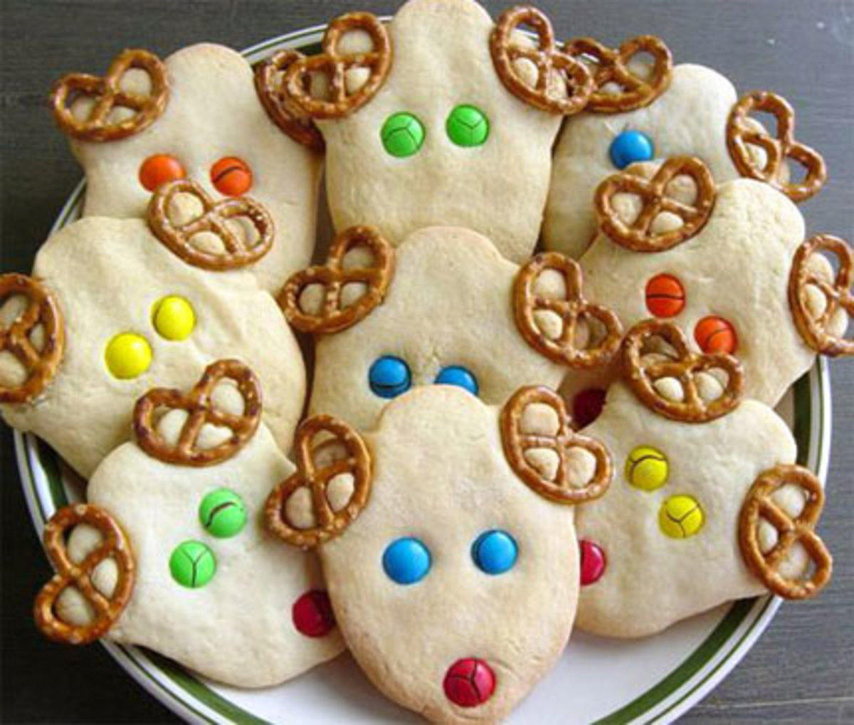 Reindeer Christmas Cookies (Photo: Lushlee.com)