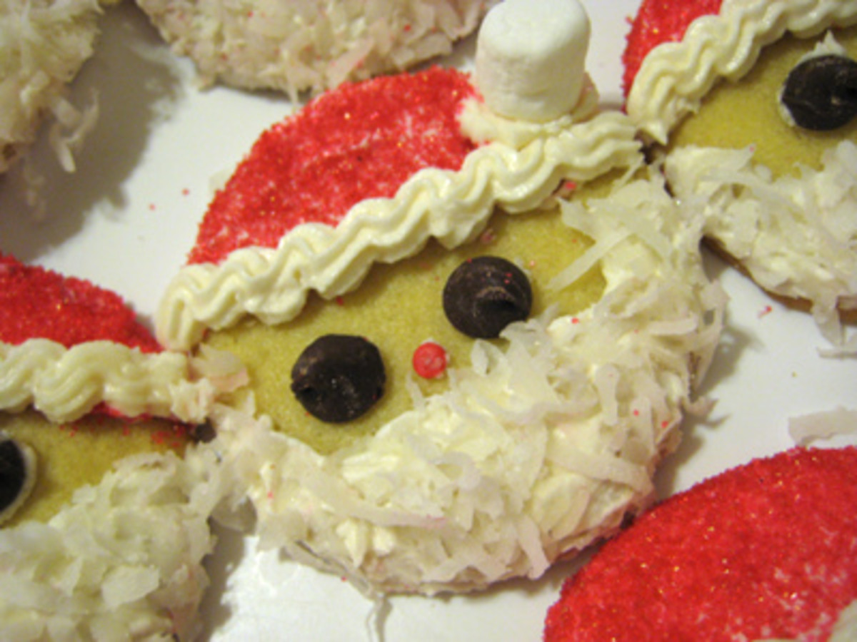Easy decorated Santa cookies (Photo: GoodEatsBlog.com)