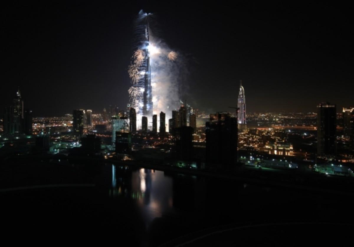 Burj Khalifa Facts and Lights
