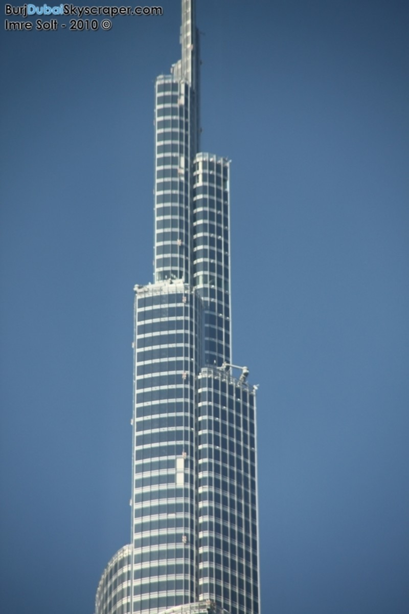 Burj khalifa facts tallest building in the world hubpages for Burj khalifa swimming pool 76th floor