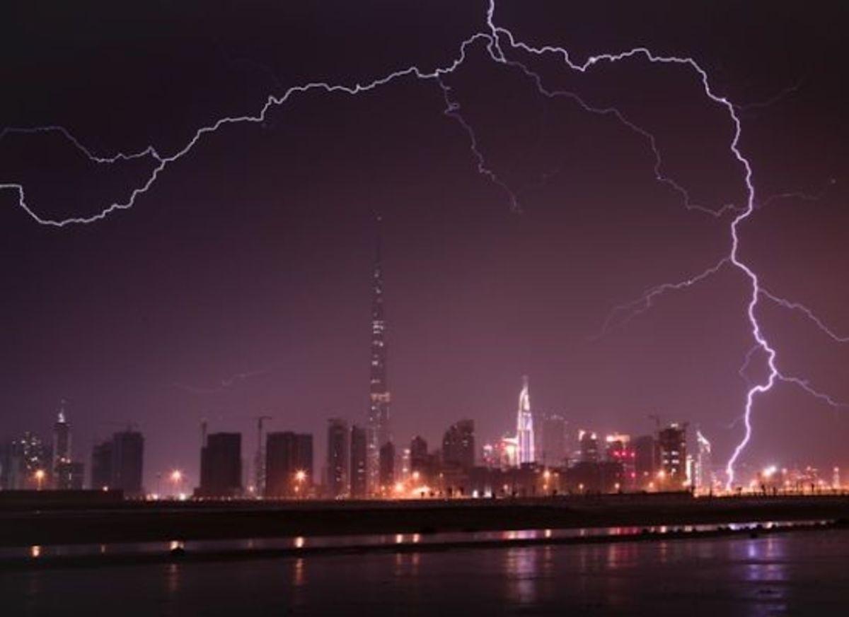 Burj Khalifa Lightning Picture