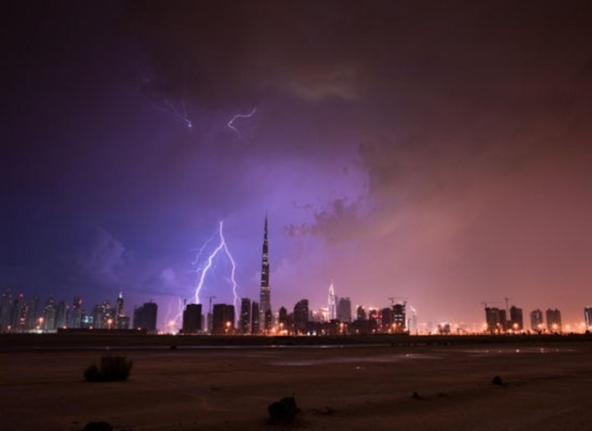 Burj Khalifa Lightning Pictures