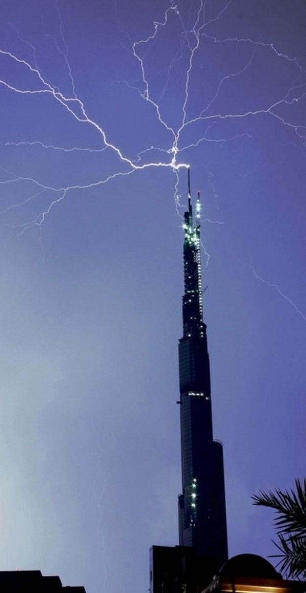 Burj Khalifa lightning hit