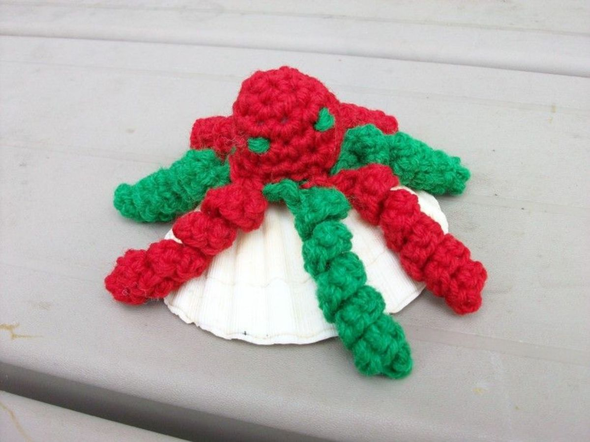 Christmas Red & Green Octopus