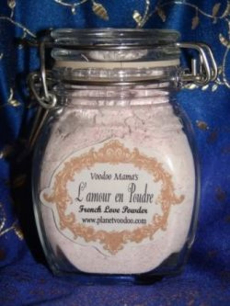 Voodoo Mama's French Love Powder