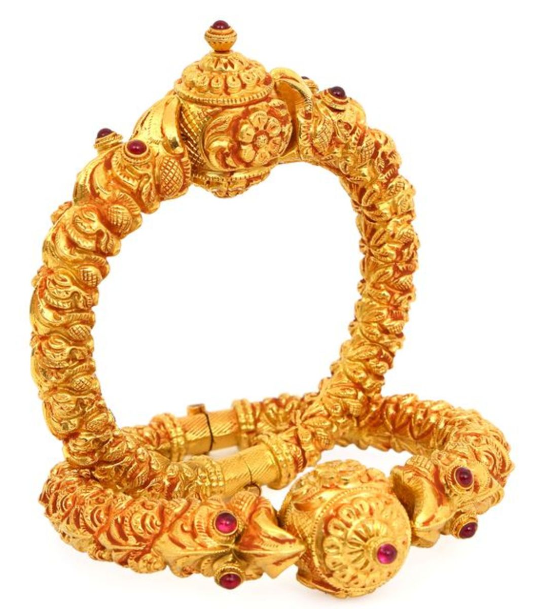 traditional temple design gold bangles