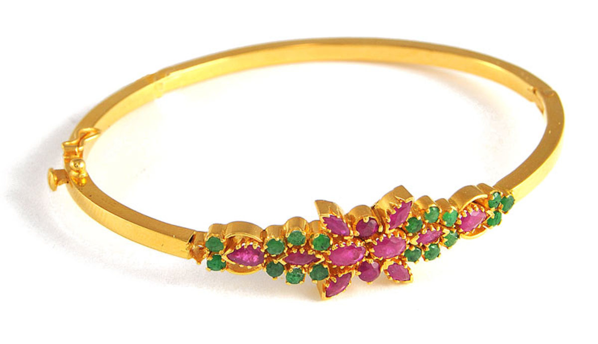 Emerald and ruby Gold bangles