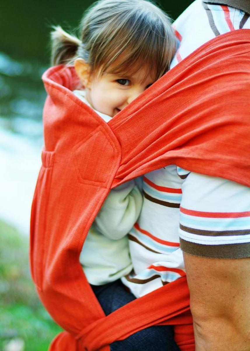 This style of the Maya wrap looks super comfy for your child.