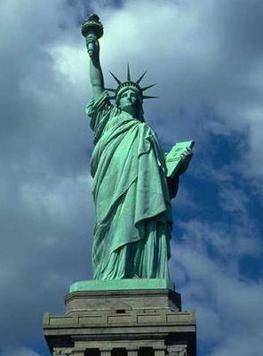 Statue of Liberty - American National Landmark Color example