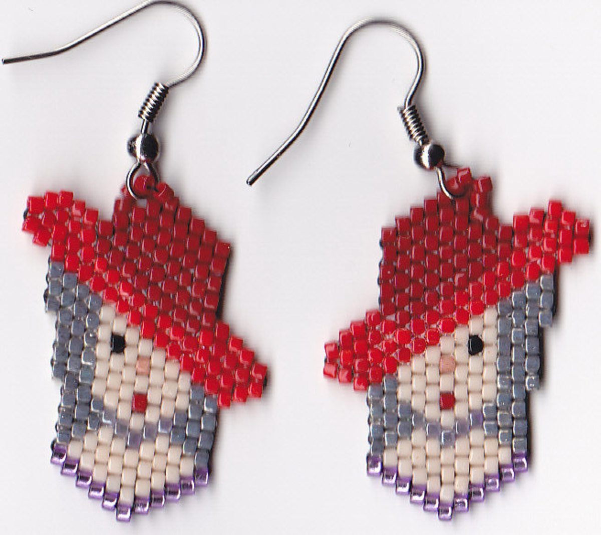 Red Hat Society earrings I beaded with Delica beads, adapted from a pattern in this book