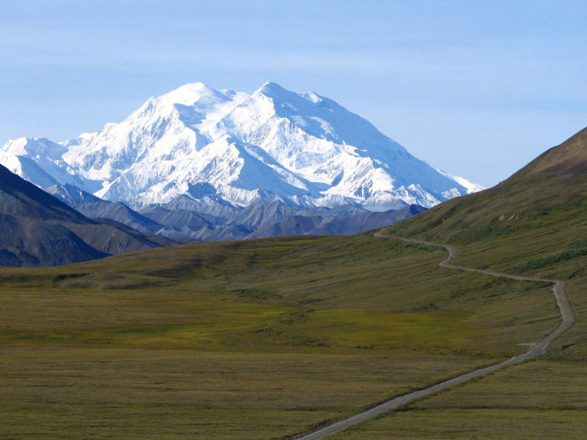 Mount Mckinley in Alaska. Image Credit:  Derek Ramsey, http://en.wikipedia.org/wiki/User:Ram-Man , Wikipedia Commons
