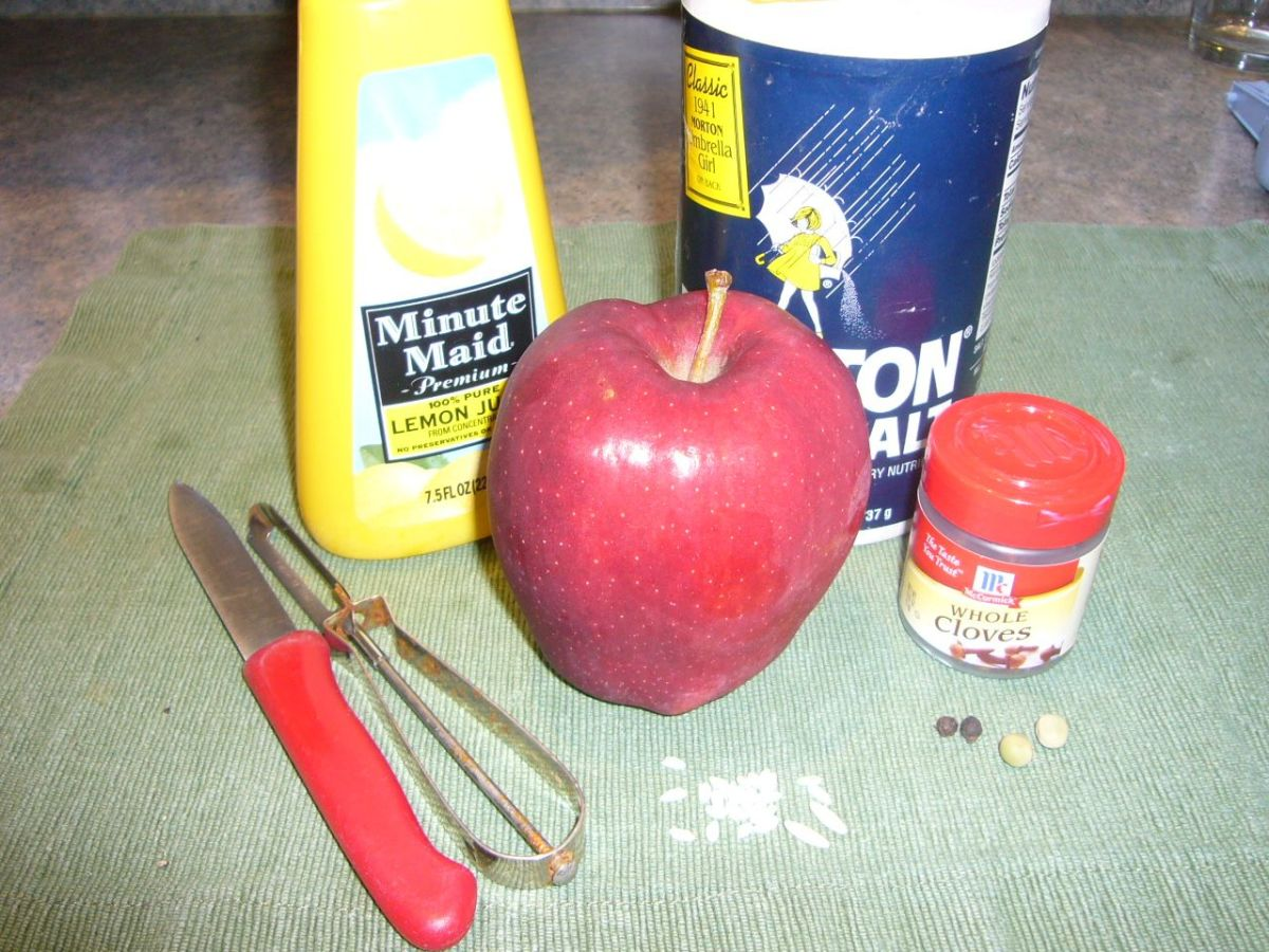 Supplies needed to make Shrunken Apple Heads