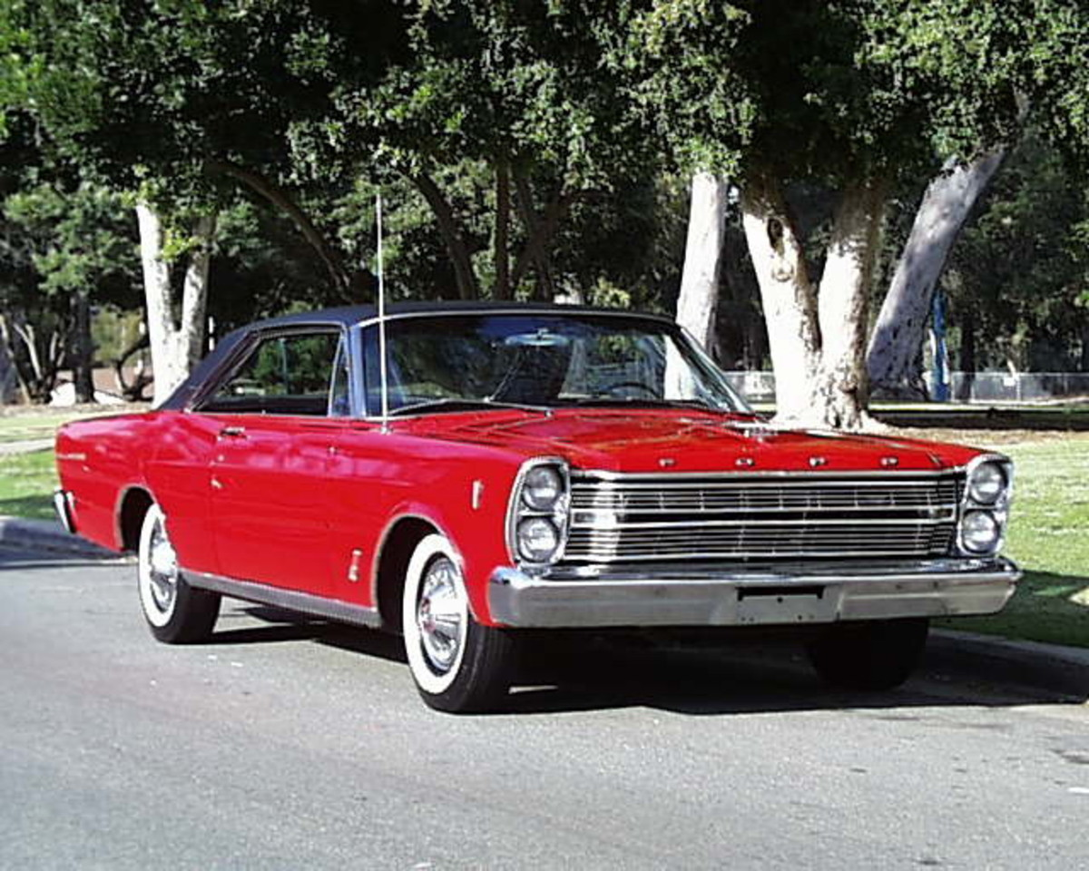 Classic Car Photos - 1966 Ford Galaxie