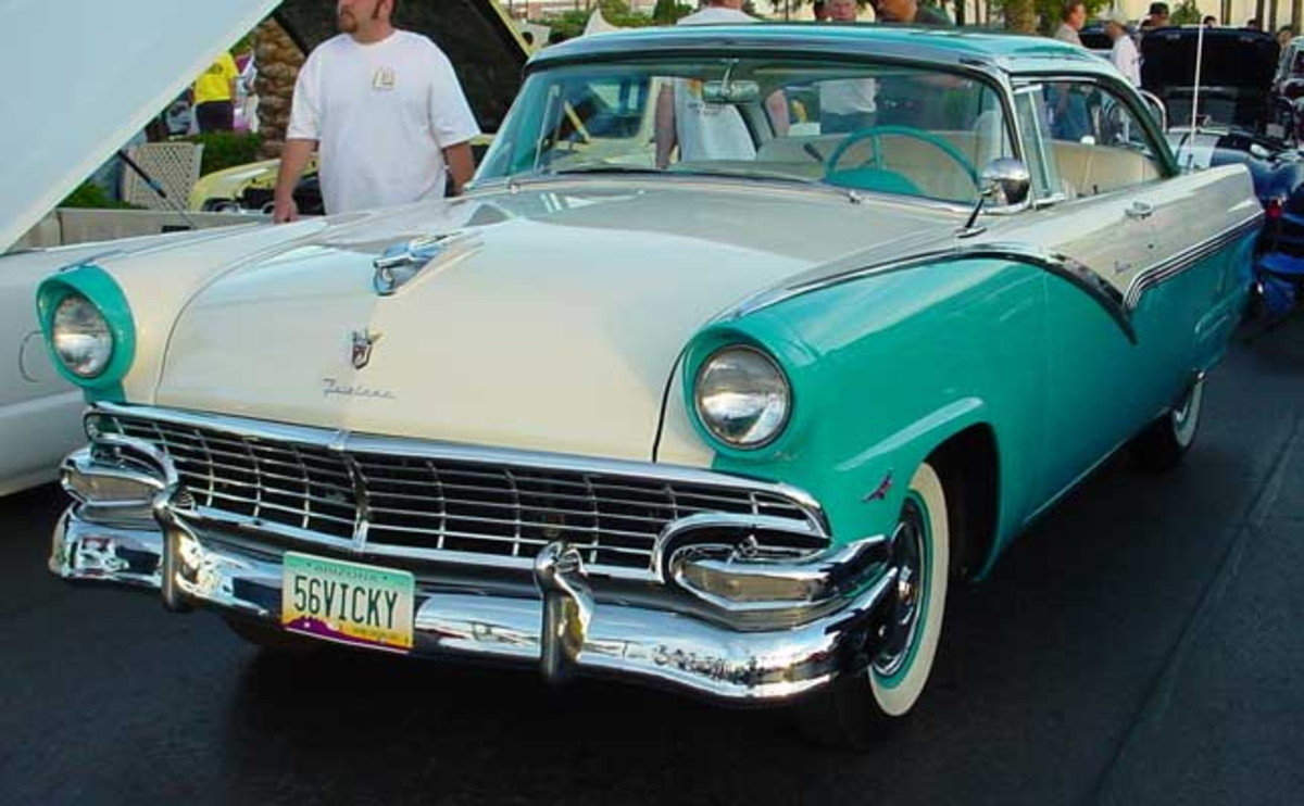 Classic Car Photos - 1956 Ford Fairlane Victoria