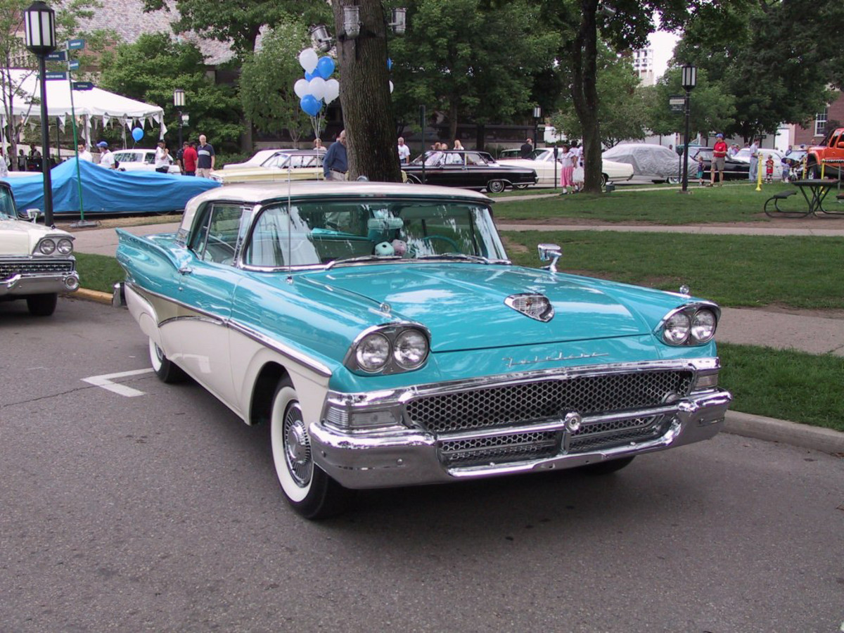 Classic Car Photos - 1958 Ford Fairlane
