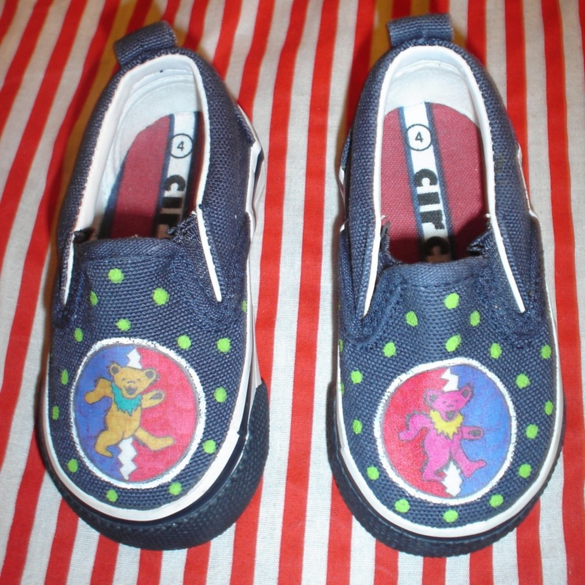How to Easily Decorate your Chuck Taylors or Canvas Shoes