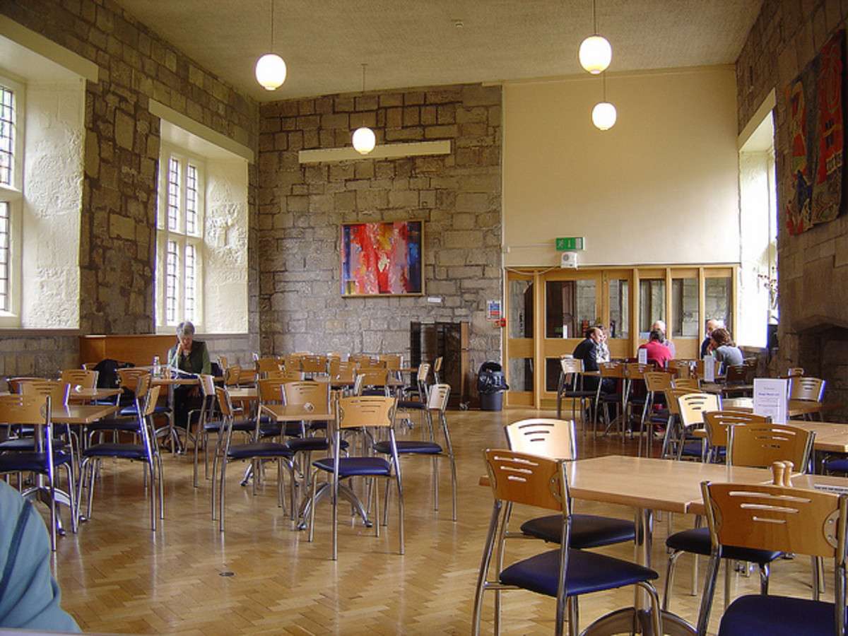 The refectory is spacious and relaxed.