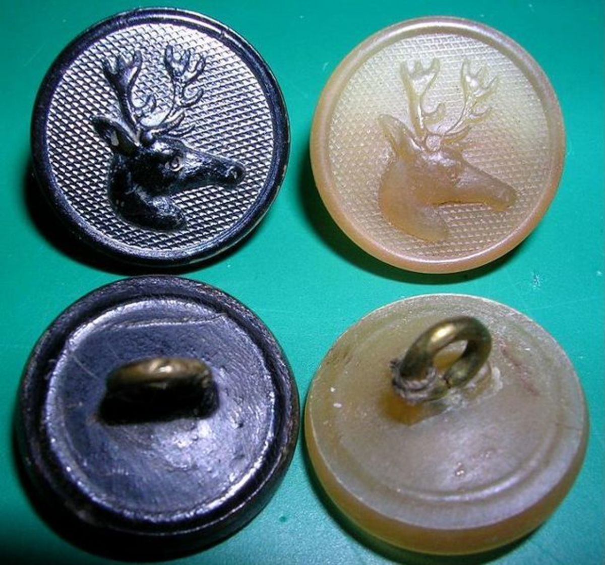 'Hunting' buttons made from horn