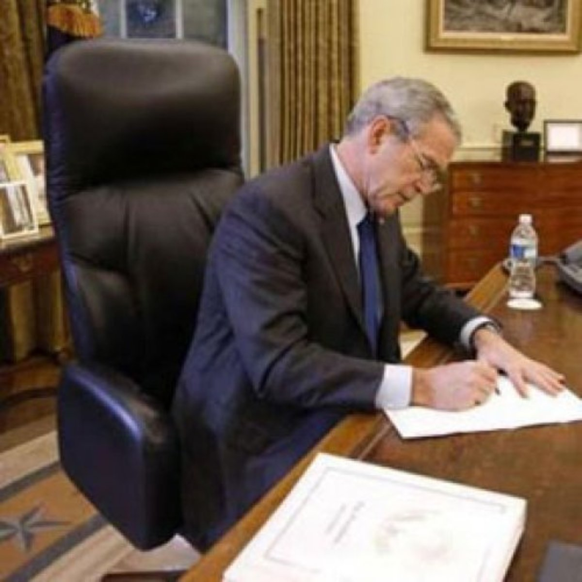 "President Bush's Oval Office desk chair was a Global ""Concorde"" Executive equipped with luxurious leather with contrasting stitching, The chair weighs about 100 pounds as it is built on a steel frame along with several other heavy-duty components."