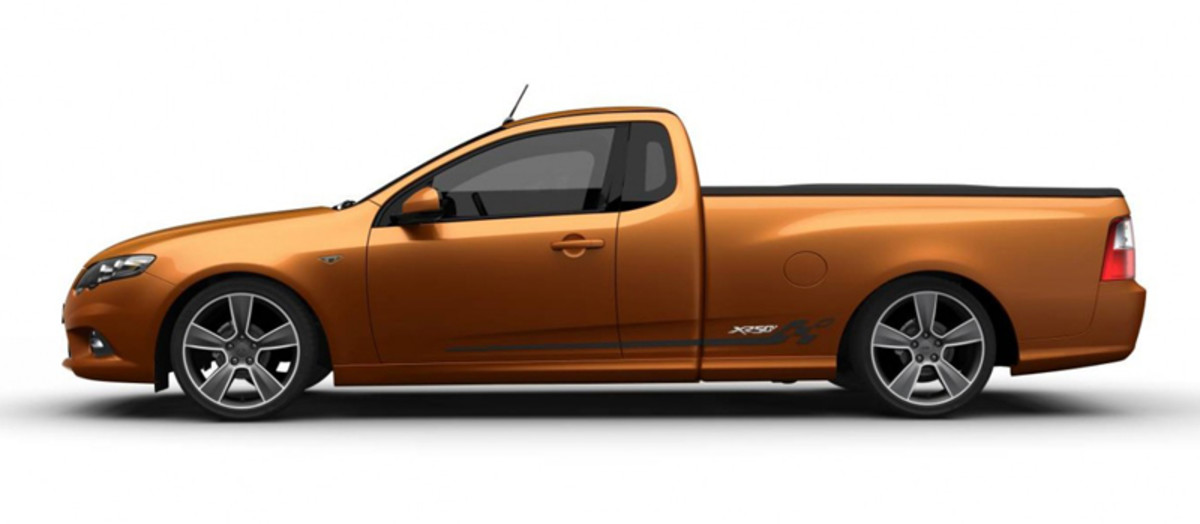 Ford Falcon XR6 is also being supplied with the special livery of the 50th Anniversary model!