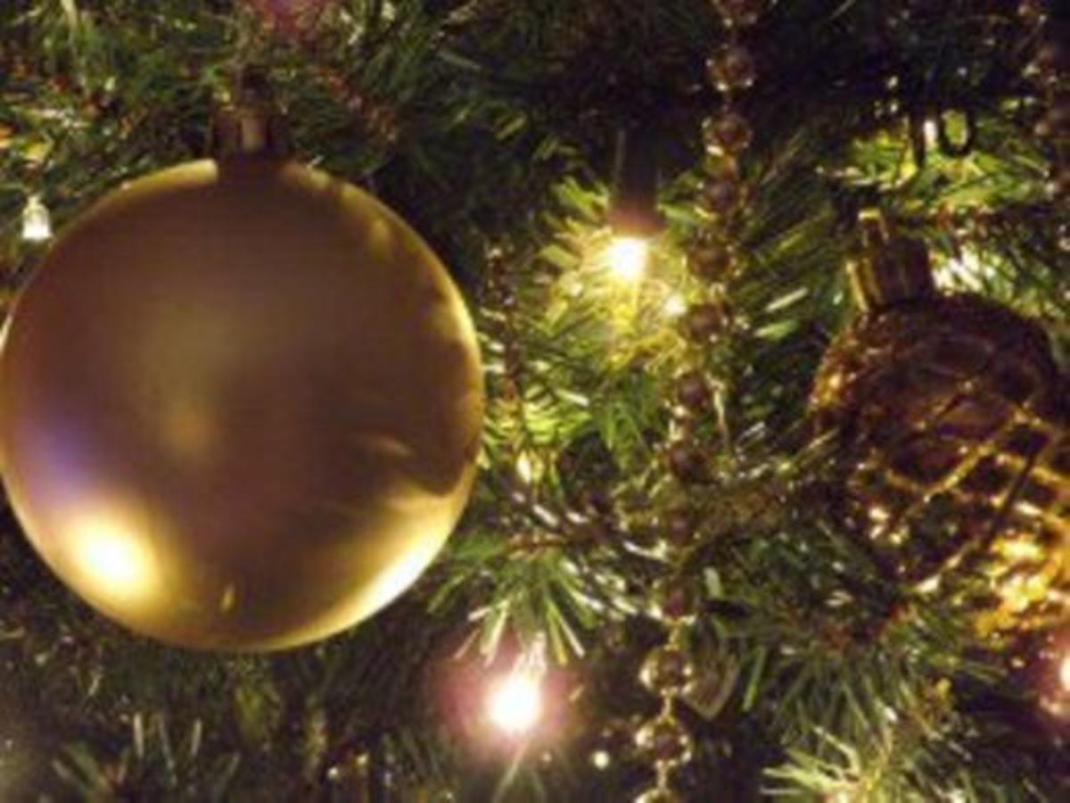Gold Christmas tree bulbs
