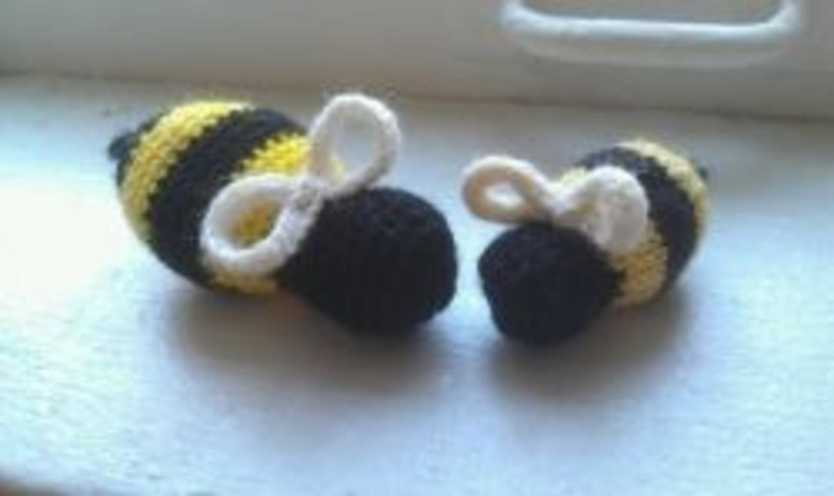 ChemKnits Knit and Crochet Bees