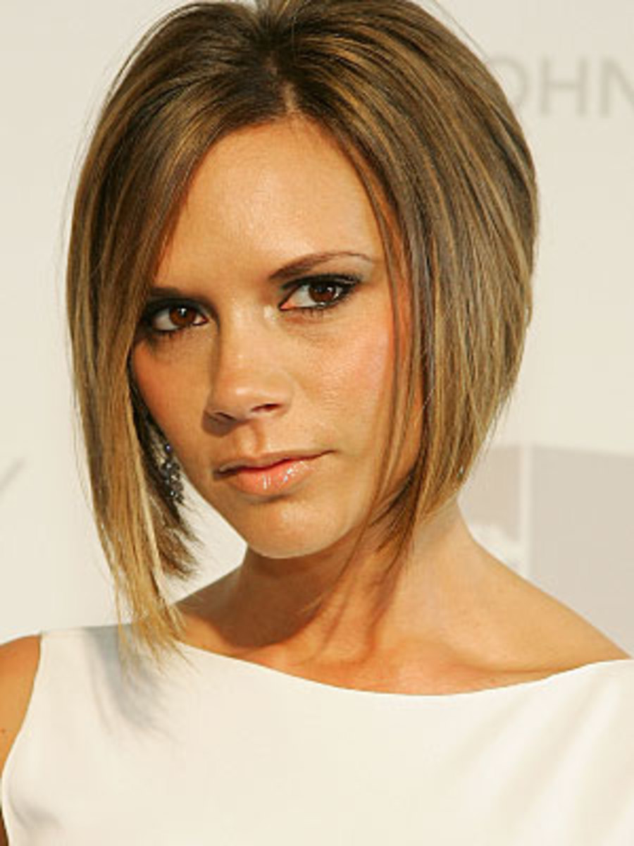Victoria Beckham has fine, thin hair. You've probably seen her classic bob style that is recommend for those with this kind of hair.