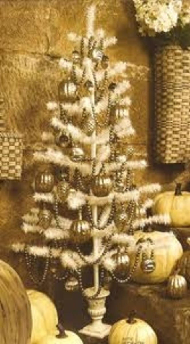 Feather Christmas Tree w/ Gold Ornaments