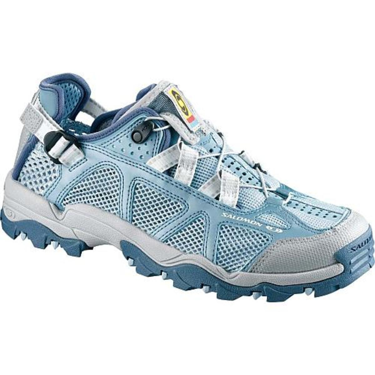 Water Aerobics Sneaker in blue and white