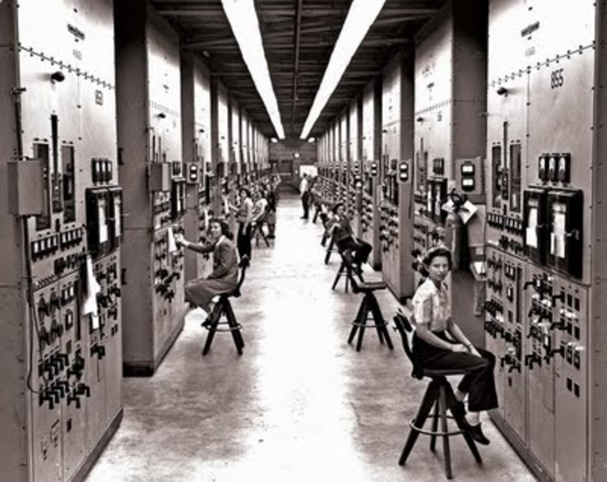 Women operators monitoring the calutrons