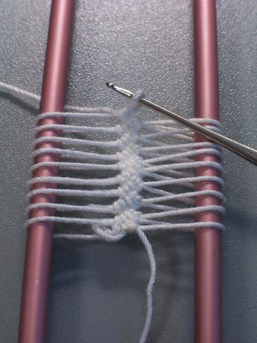 """""""Hairpin lace"""" by E.Zajdel - Own work. Licensed under Public domain via Wikimedia Commons - http://commons.wikimedia.org/wiki/File:Hairpin_lace.JPG#mediaviewer/File:Hairpin_lace.JPG"""