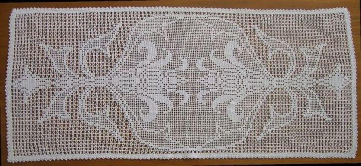 Filet Crochet - Image Credit: CC 3.0