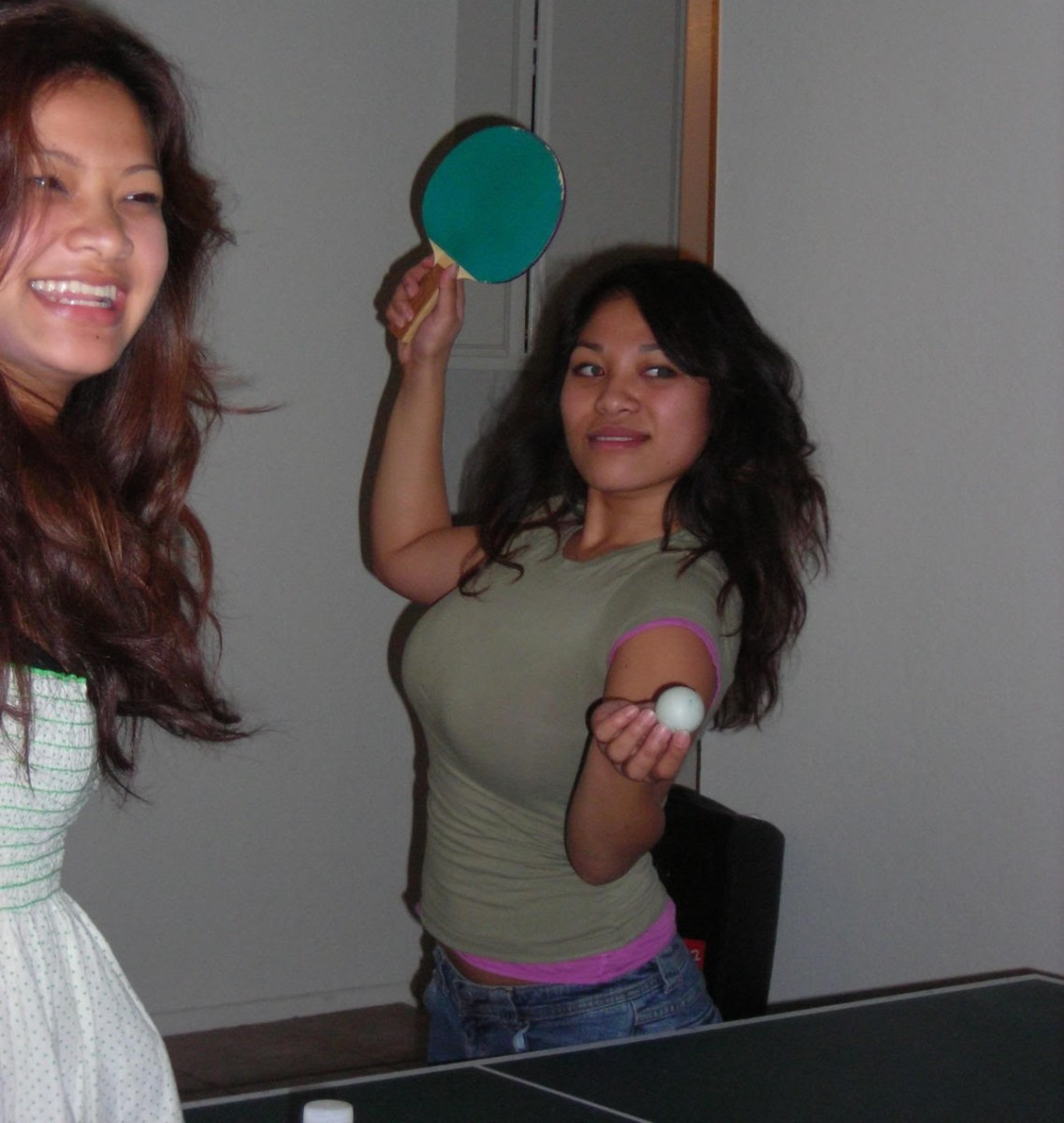 Wow! Fun for the spectators - difference between men and women playing ping pong, photo By darlene86, source: Photobucket