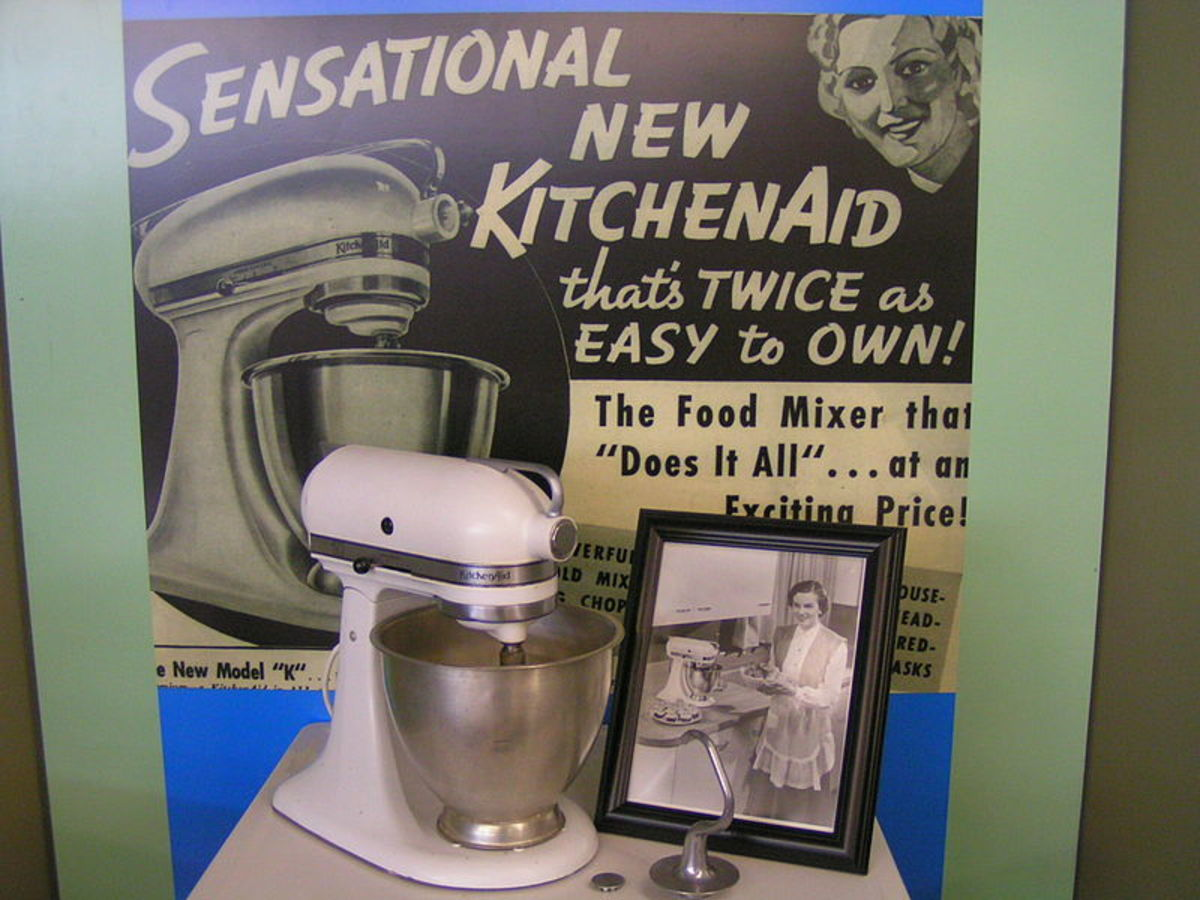 Every vintage woman deserves a vintage kitchenaid on her counter!